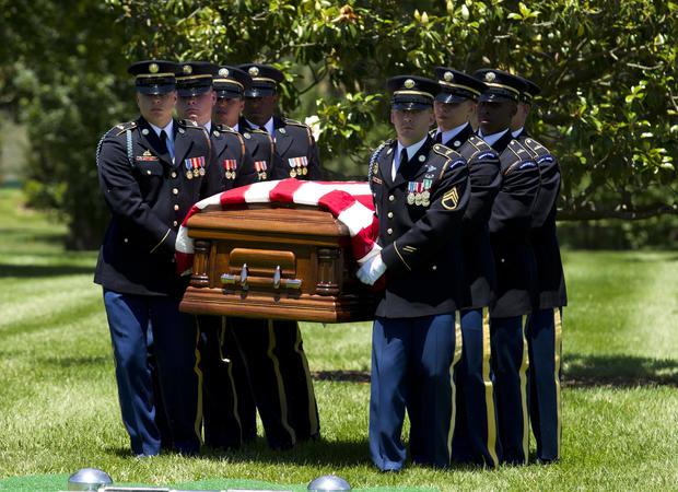 缺少第二次世界大战飞行员葬礼