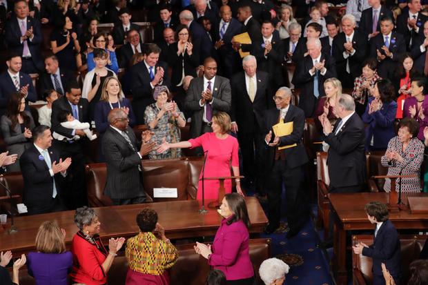 众议院召开2019年第一届会议选举南希佩洛西(D-CA)担任众议院议长
