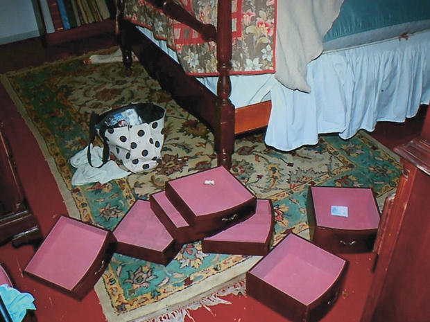 布莱尔bedroom.jpg