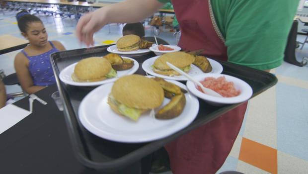 学校午餐竞争鱼三明治620.jpg
