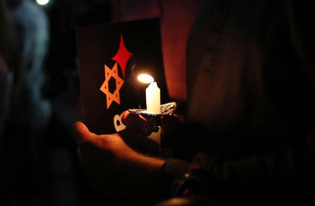 守夜人在犹太教堂射击的受害者迈阿密海滩大屠杀纪念馆举行