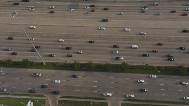 交通瘫痪休斯顿-I-10-620.jpg