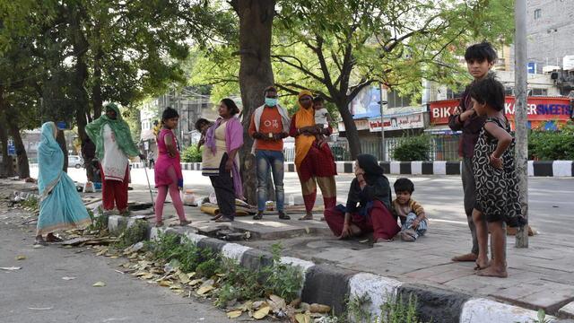 india-poor-coronavirus.jpg