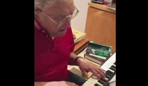 randy-newman-at-the-piano-promo.jpg