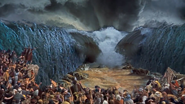 the-ten-commandments-parting-of-the-red-sea-1956-620.jpg