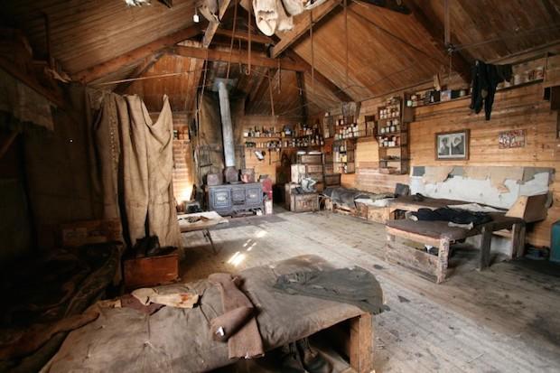 nzaht-interior-shackletons-hut-cape-royds-photo-nzaht-org-web-1.jpg
