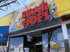 pirate-joes-sign-244.jpg
