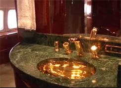 trump-plane-bathroom-244.jpg