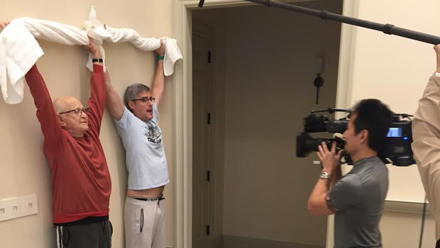 norman-lear-mo-rocca-exercises-620.jpg
