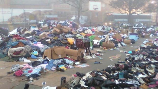 donated-clothing-rockaways-ny-following-hurricane-sandy-2012-helpaftersandyorg-620.jpg