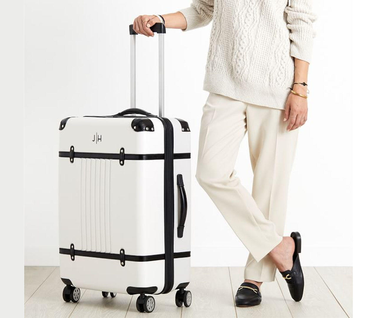 cbsnews-luggage-2.jpg