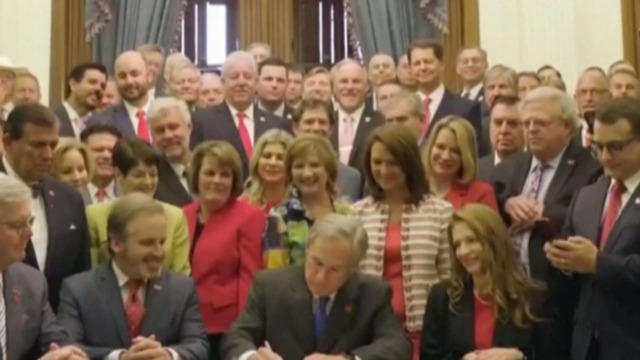 Judge temporarily bars Texas from enforcing law that bans most abortions