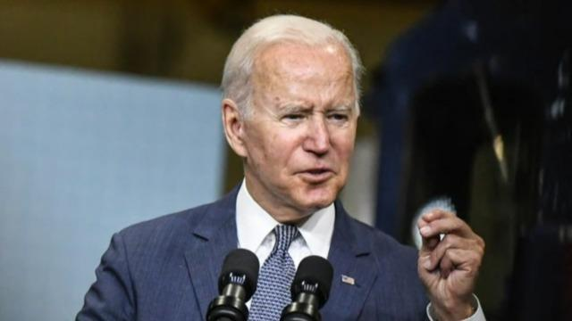 Democrats rush to reach deal on social spending plan before Biden trip
