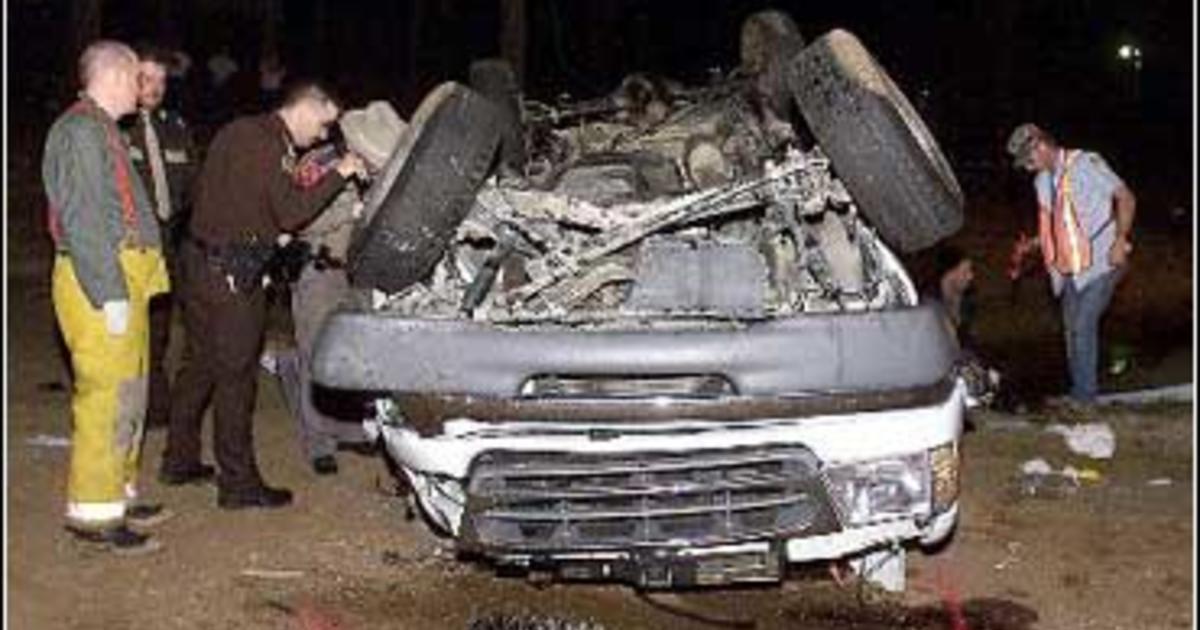4 Track Athletes Killed In Crash - CBS News