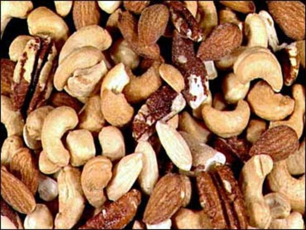 Nuts about nuts? Best and worst kinds for health - CBS News