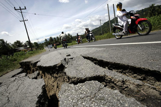 Quake Rocks Indonesia