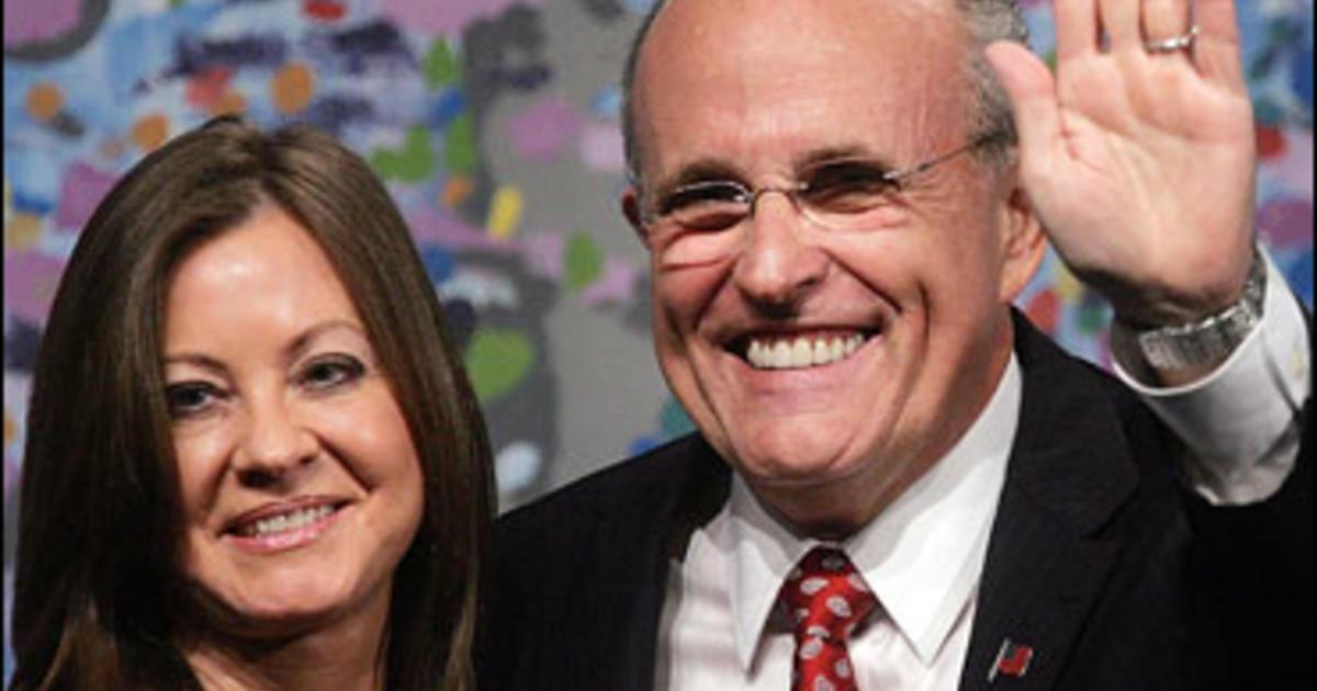 Giuliani Defends Girlfriend S Expenses Cbs News