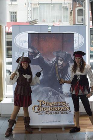 """""""Pirates"""" invade Nintendo"""