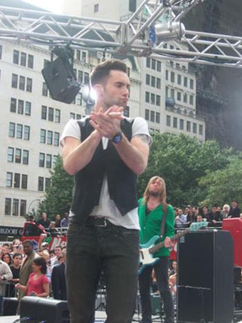 Maroon 5  Madness