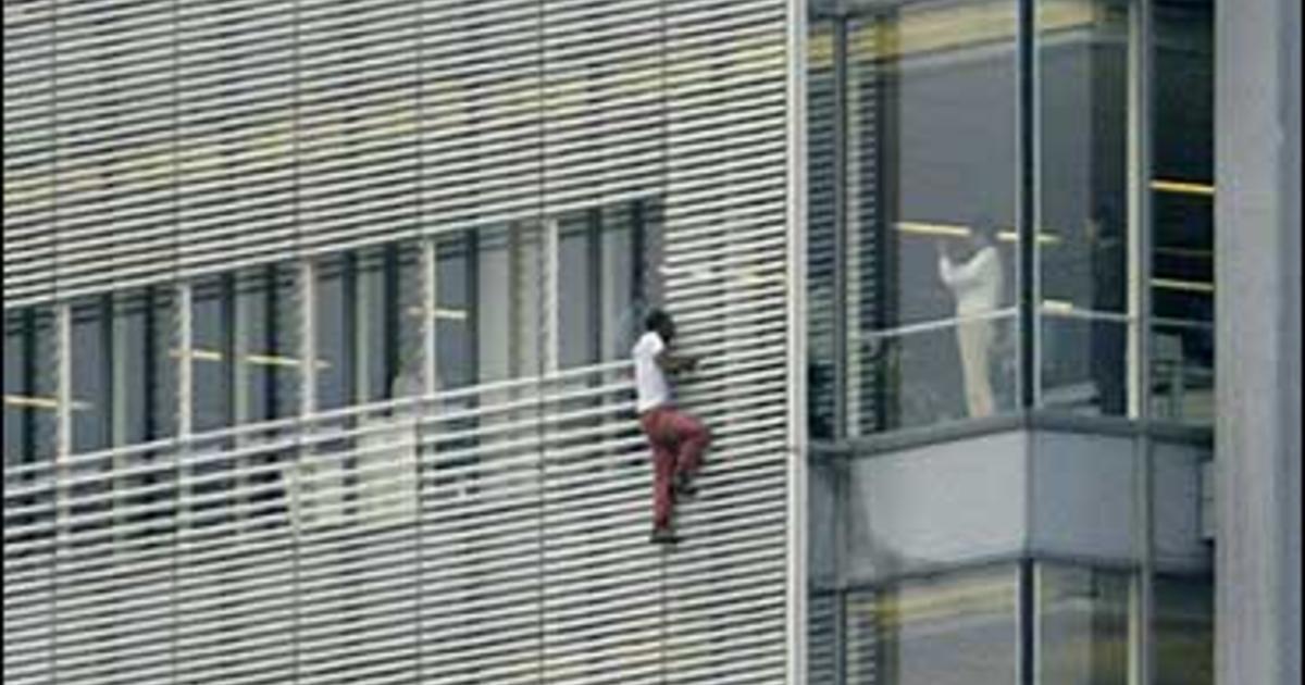 Stunts Spotlight Dangers Of Urban Climbing Cbs News