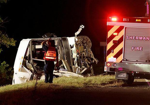 Sherman Tx News >> Texas Bus Crash Photo 7 Pictures Cbs News