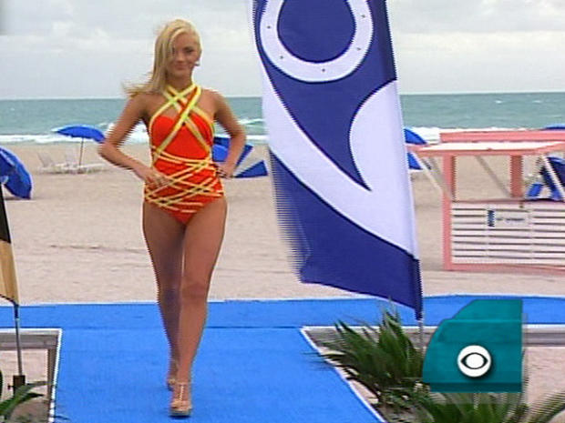 "Cheerleaders Heat Up ""Early Show"" Runway"