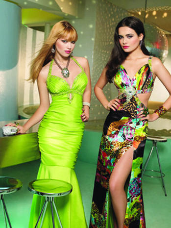 Skimpy Style - Daring Prom Dresses - Pictures - CBS News