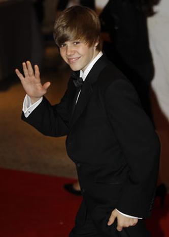 Justin Bieber - Justin Bieber - Pictures - CBS News
