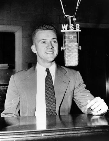 1954 : Ernie Harwell Announces for First Time at Briggs Stadium in Detroit