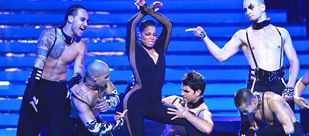 Janet Jackson on American Idol finale, May 26, 2010.