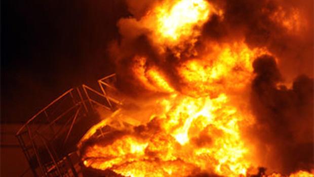 Lightning Strike Ignites Nc Gas Tanks Cbs News