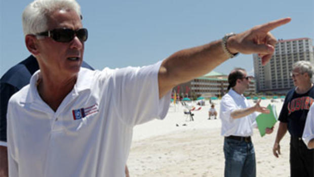 Charlie Crist, oil clean up