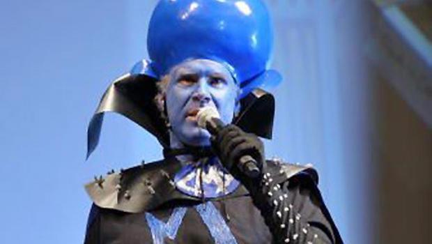 Will ferrell kicks off comic con in costume cbs news - Will ferrell one man show ...