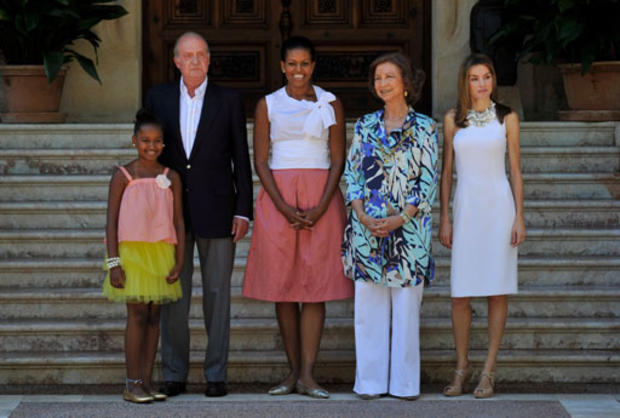 From left, Sasha Obama, King Juan Carlos of Spain, first lady Michelle Obama, Queen Sofia of Spain and Princess Letizia of Spain at the Marivent Palace on Aug. 8, 2010, in Palma de Mallorca, Spain.