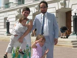 """Photo """"Captures"""" Alleged Thief; Myers Family Attending Wedding in Wisconsin"""