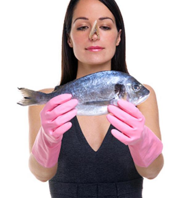 woman, fish, allergies, stink, stinky