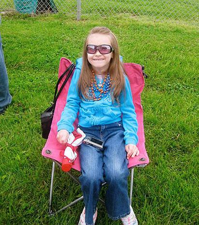Cyber-bullied girl with Huntington's Disease dies