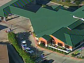 Texas Bank Robbery Escalates Into Hostage Situation, Nearby School in Lockdown