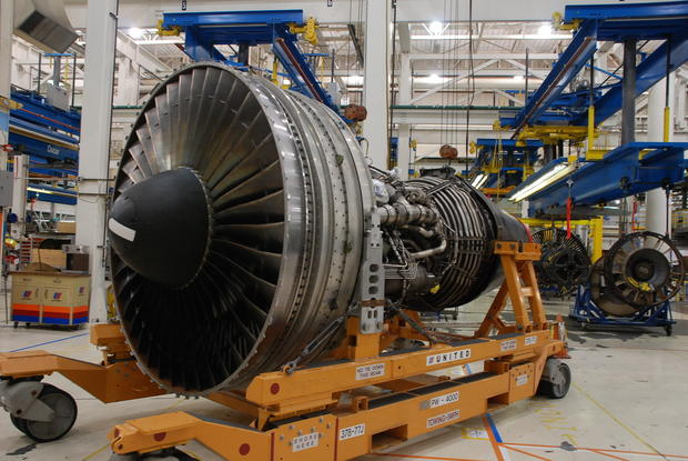Inside an Airliner's Engine Shop