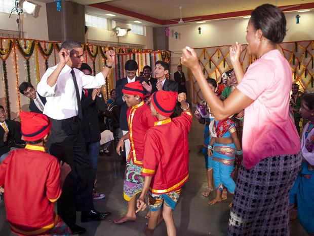 dancing_obamas.jpg