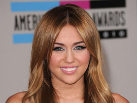 Miley Cyrus may sue over sex doll, says report