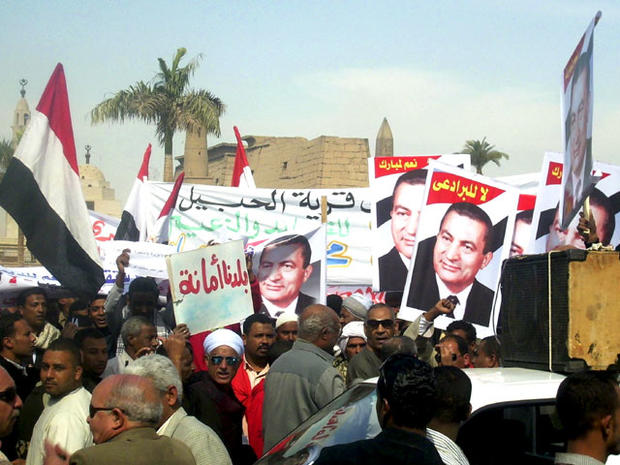 Pro-Mubarak demonstrators