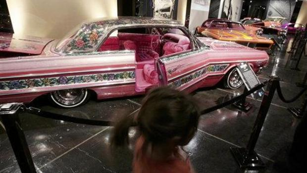 Pink Car Game With Elvis Driving It