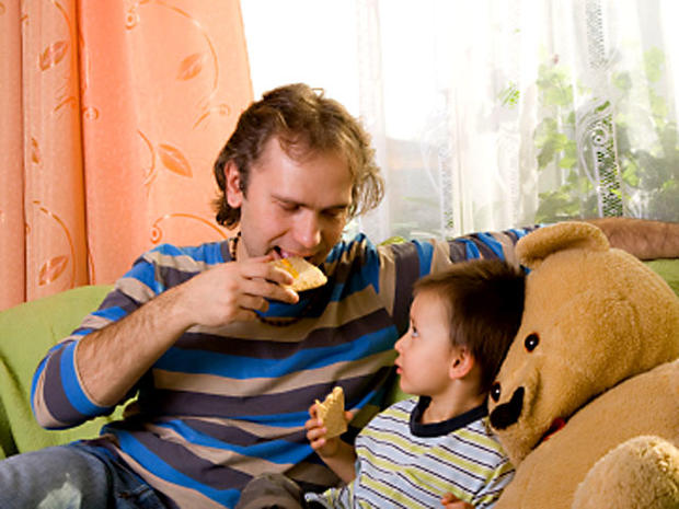 dad_son_eating_iStock_00000.jpg