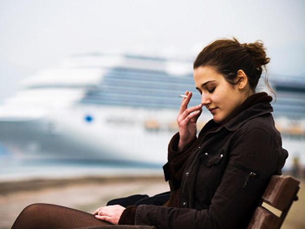 smoker, woman, ship, outside, cancer, tobacco, stock, 4x3