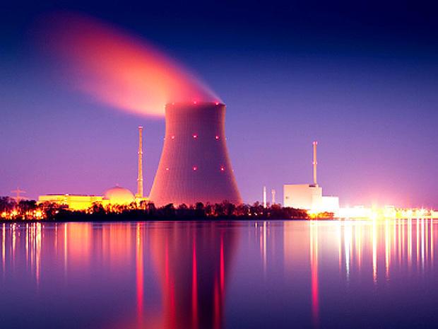 nuclear_plant_iStock_000005.jpg
