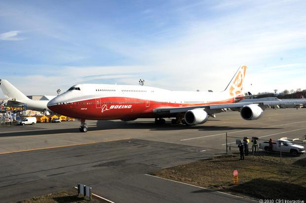 747-8_I_full-on_from_left_side.jpg