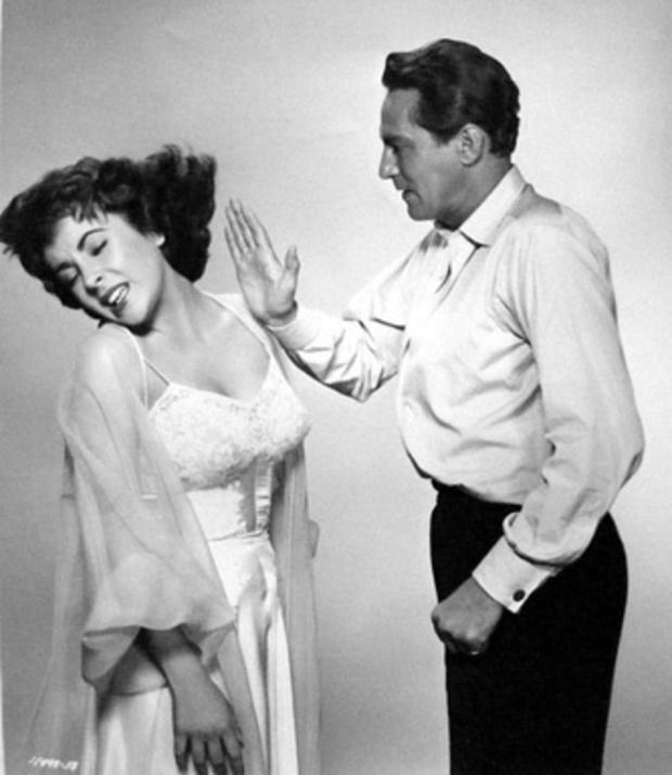 Elizabeth Taylor and Peter Finch