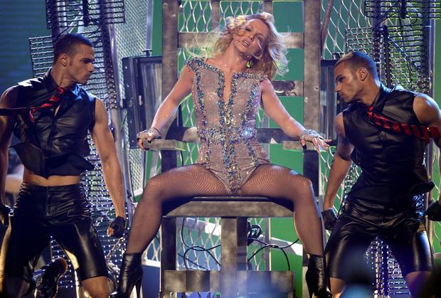 Britney sued over fragrance deal for $10 million