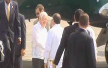 Jimmy Carter visits Cuba